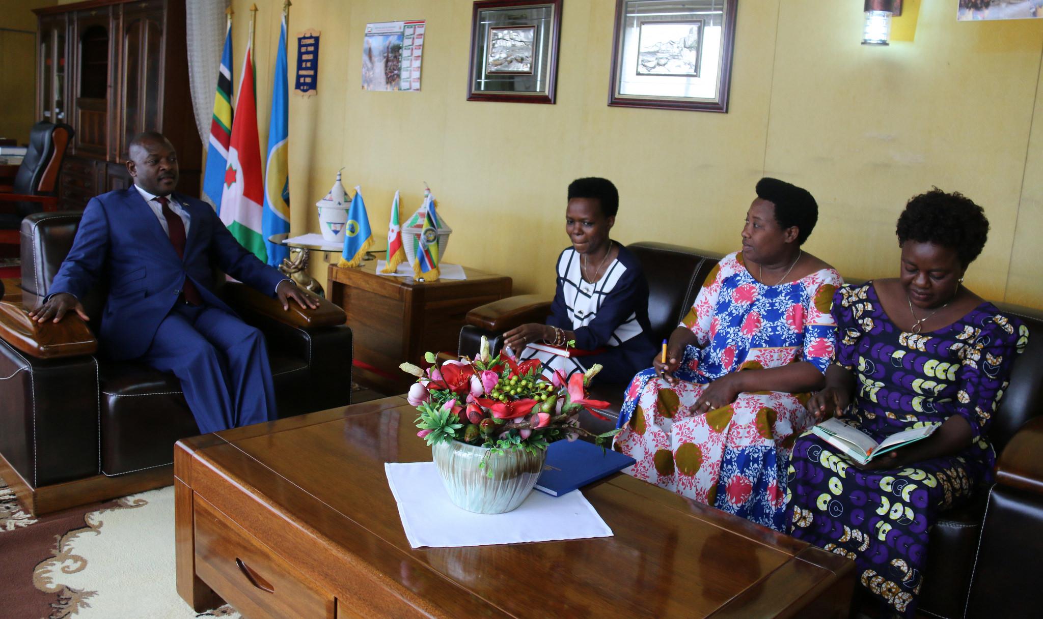 Le Bureau Exécutif du Forum des Femmes est reçu par le Président de la République Son Excellence  Pierre Nkurunziza
