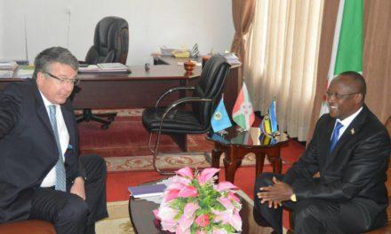 Le Premier Vice-Président reçoit trois Ambassadeurs