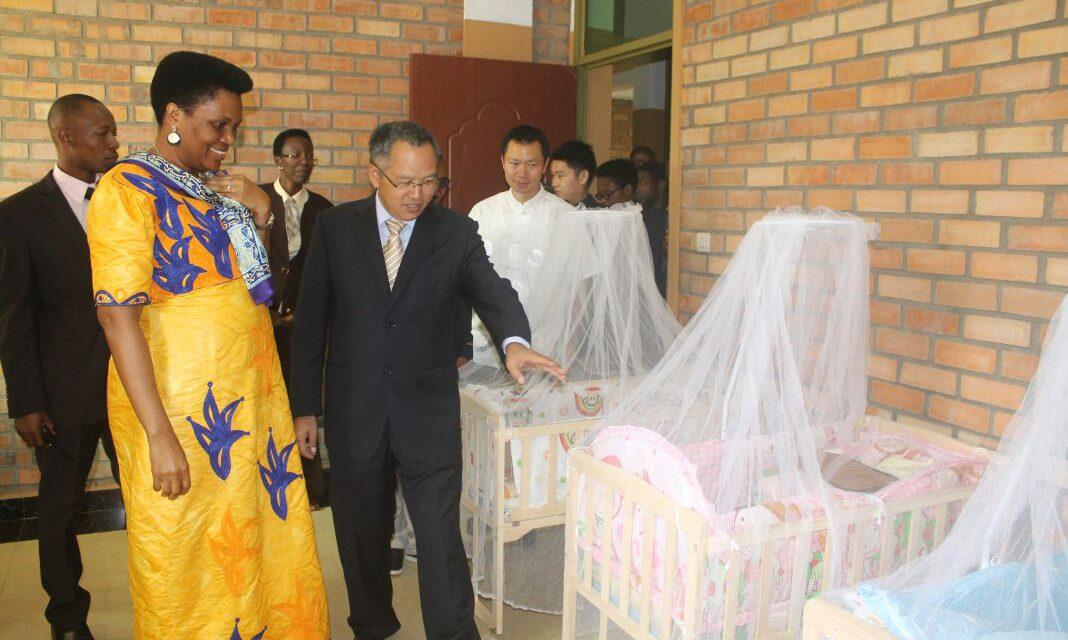 La Chine octroie un don à l'orphelinat le Bon Samaritain de Buye