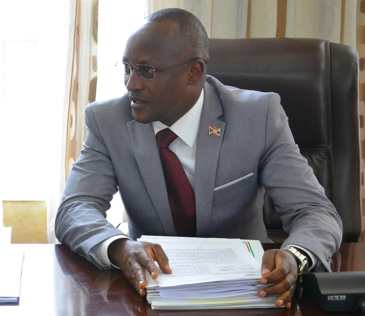 Evaluation par le parlement de la mise en application du programme du gouvernement
