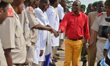 Le Premier Vice-Président de la République visite l'hôpital militaire de Kamenge