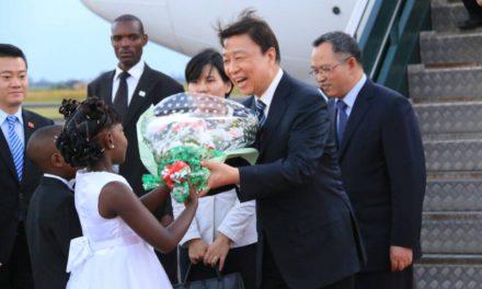 Le Burundi accueille S.E LI Yuanchao pour une visite de deux jours
