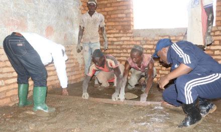 Le Deuxième Vice-Président de la République se joint à la population de la province Cibitoke dans les travaux développement communautaire