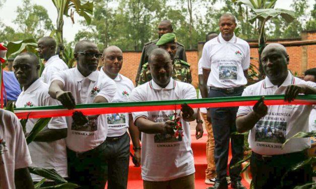 Son Excellence le Président de la République ouvre la conférence des jeunes à Gitega