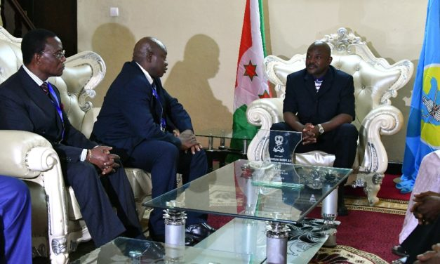 Son Excellence Pierre NKURUNZIZA reçoit Très Honorable Cipriano CASSAMA