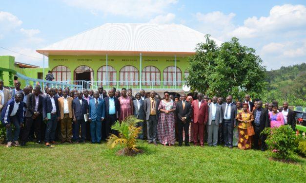 La Première Dame anime un atelier sur la lutte contre le SIDA à Kirundo