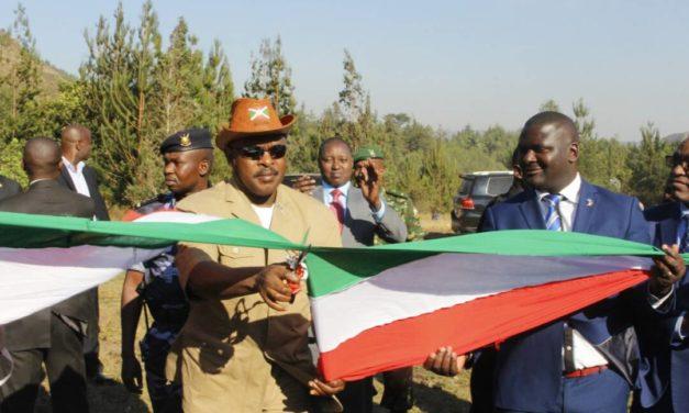 Le Chef de l'Etat inaugure des infrastructures à Bururi