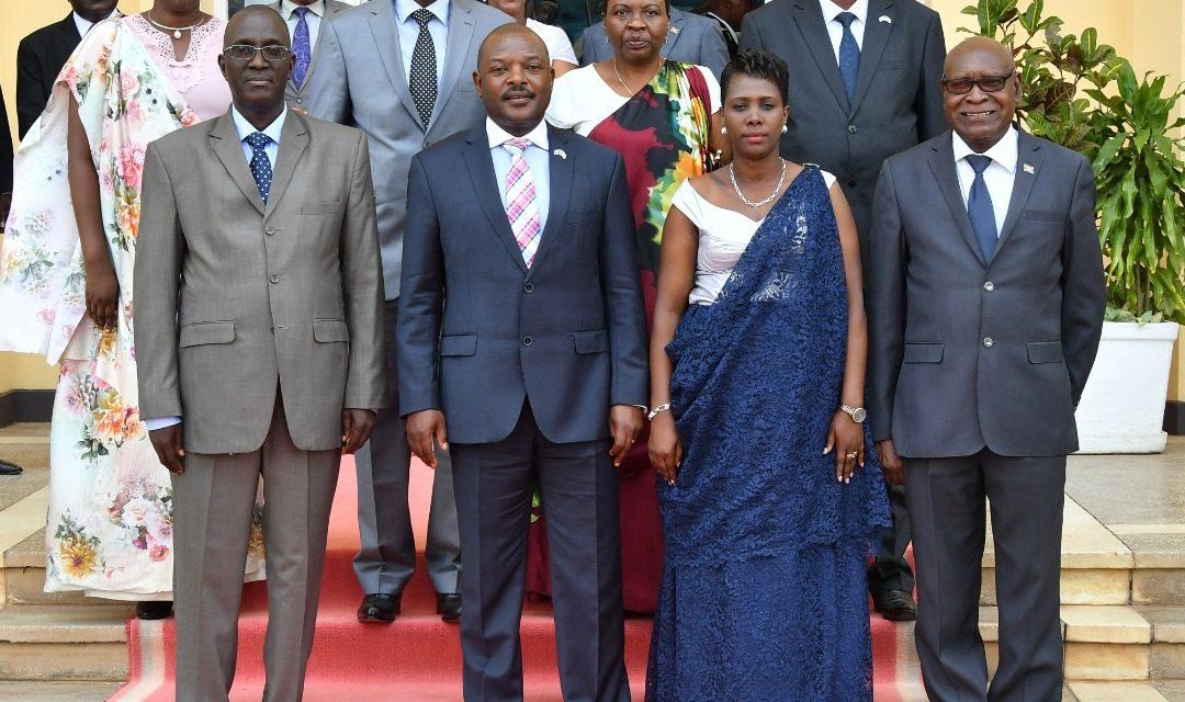 Prestation de serment des membres de la CENI et du nouveau ministre du Gouvernement