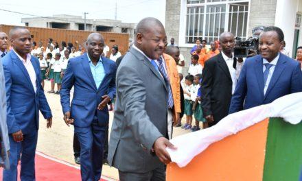 Son Excellence le Président de la République inaugure une école et autres infrastructures en Mairie de Bujumbura