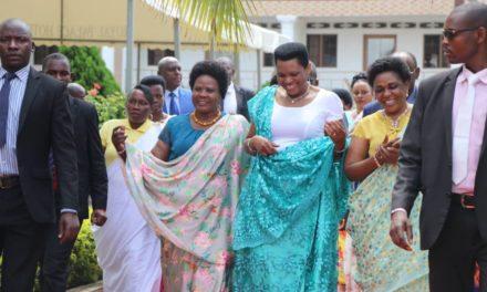 La Première Dame réunit en atelier les femmes leaders en Mairie de Bujumbura