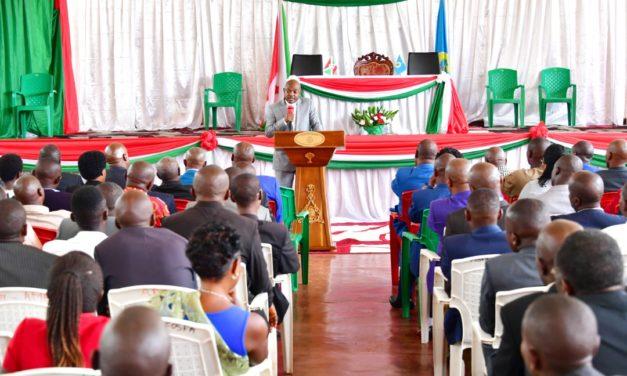 Le Chef de l'Etat anime une séance de moralisation des partis politiques