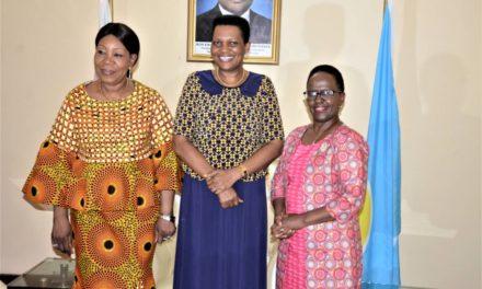 La Première Dame reçoit la délégation de FemWise Africa