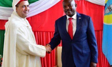 Trois ambassadeurs présentent leurs lettres de créances au Président Burundais