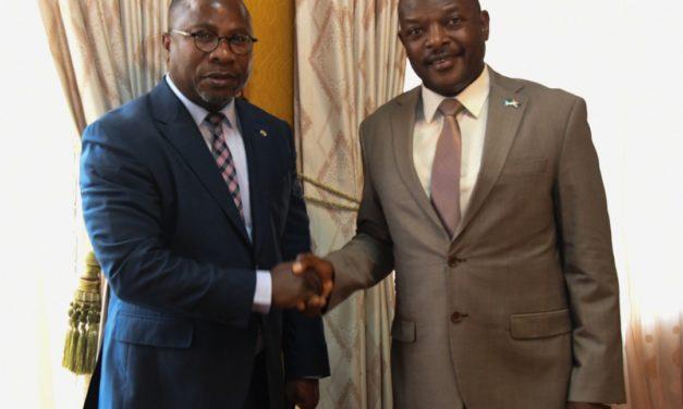 Le Chef de l'Etat reçoit le Représentant sortant de la Banque Mondiale