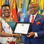 La Première Dame du Burundi reçoit des prix à New York