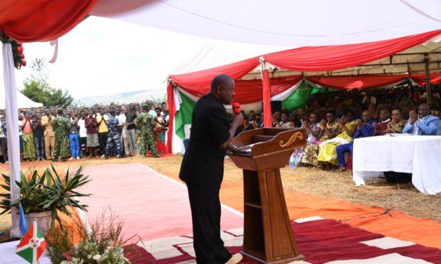 Le Chef de l'Etat anime une séance de moralisation à Buhinyuza