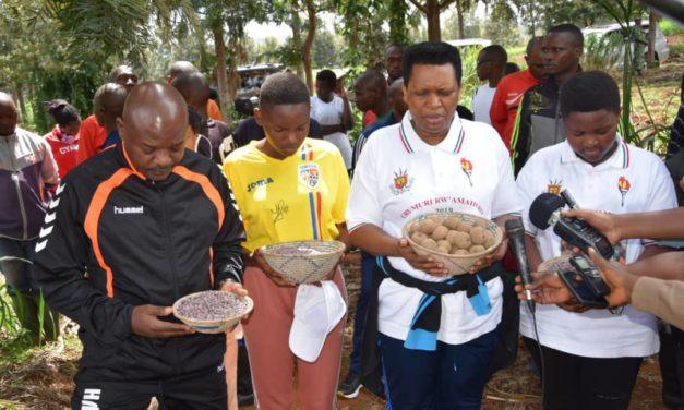 La famille présidentielle demande la bénédiction divine  avant le semis