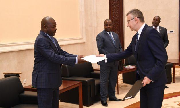 Le Président de la République reçoit en audience le nouvel Ambassadeur de Russie au Burundi