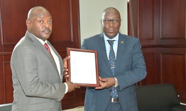 Le Chef de l'Etat reçoit en audience le DG de l'Autorité de l'Aviation Civile du Burundi