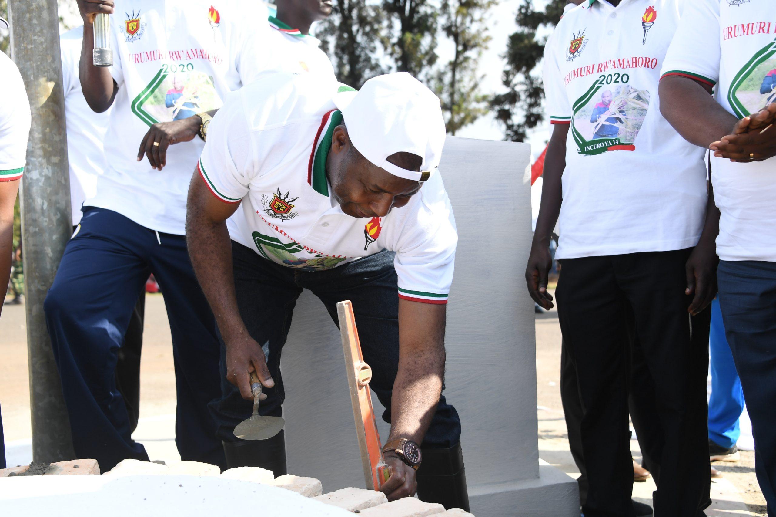 Président Ndayishimiye: un après-midi chargé d'inaugurations et travaux à Gitega