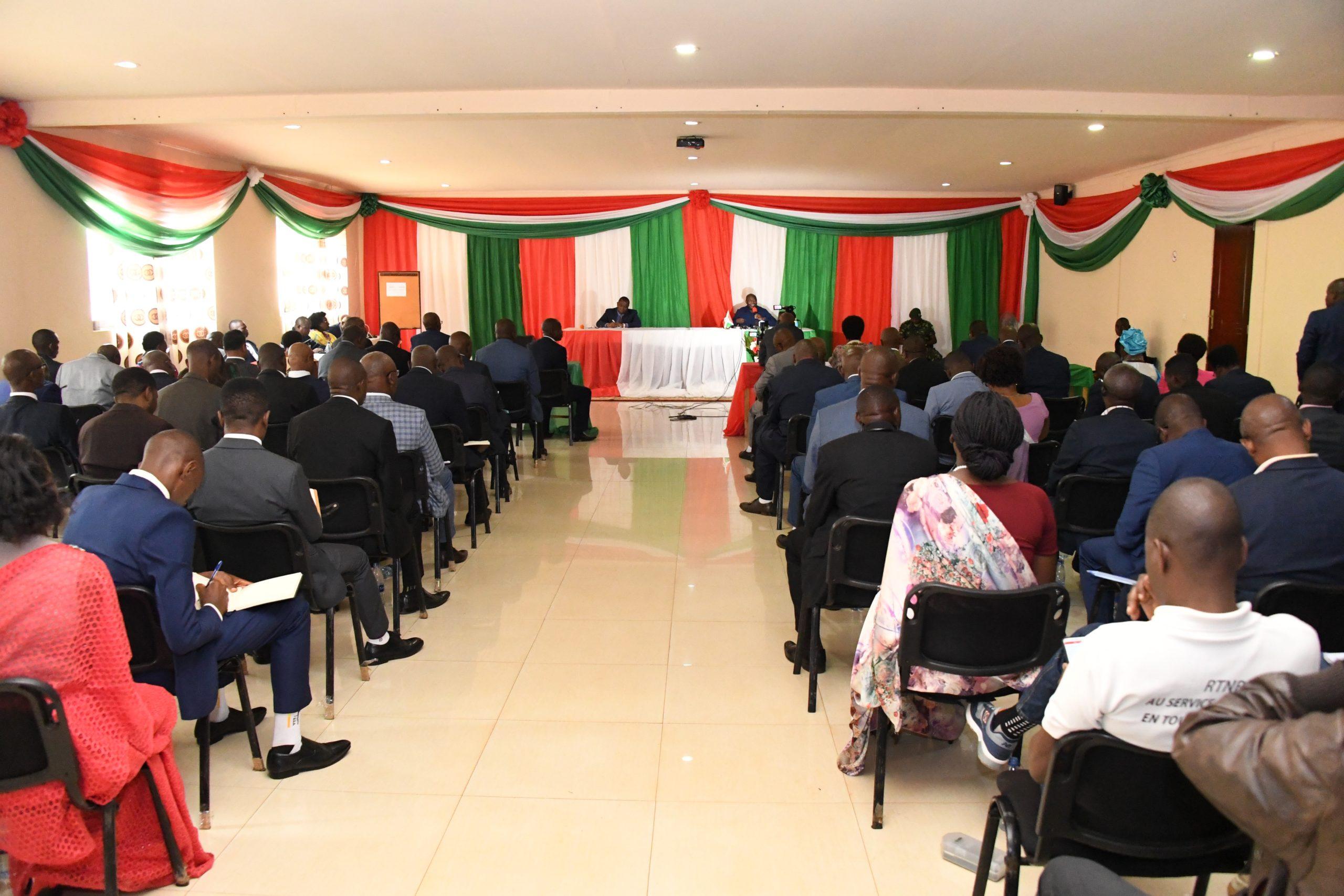 Les serviteurs de l'Etat  appelés à prendre conscience de leur devoir de résultats et d'exemplarité.