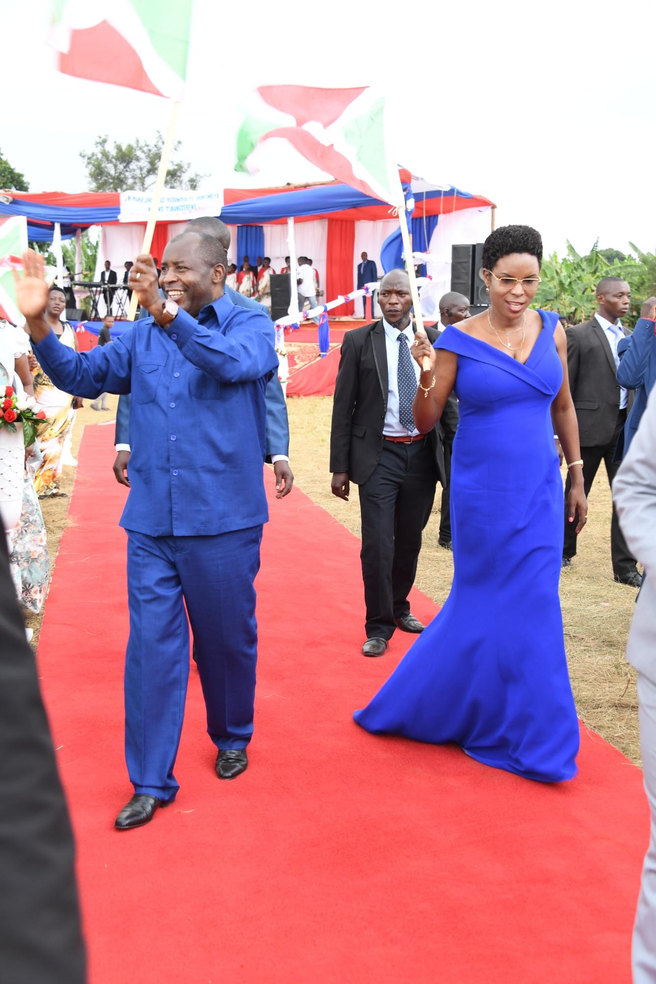 Le  Père de la Nation participe à la clôture de la prière de 3 jours organisée par l'Eglise des Amis à Kibimba