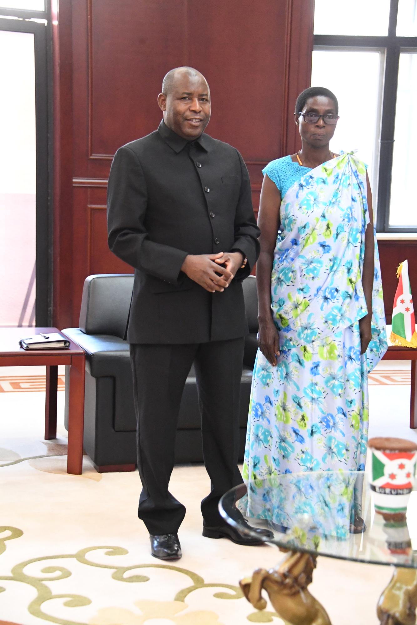 Le Chef de l'Etat salue la bravoure des femmes rurales Burundaises