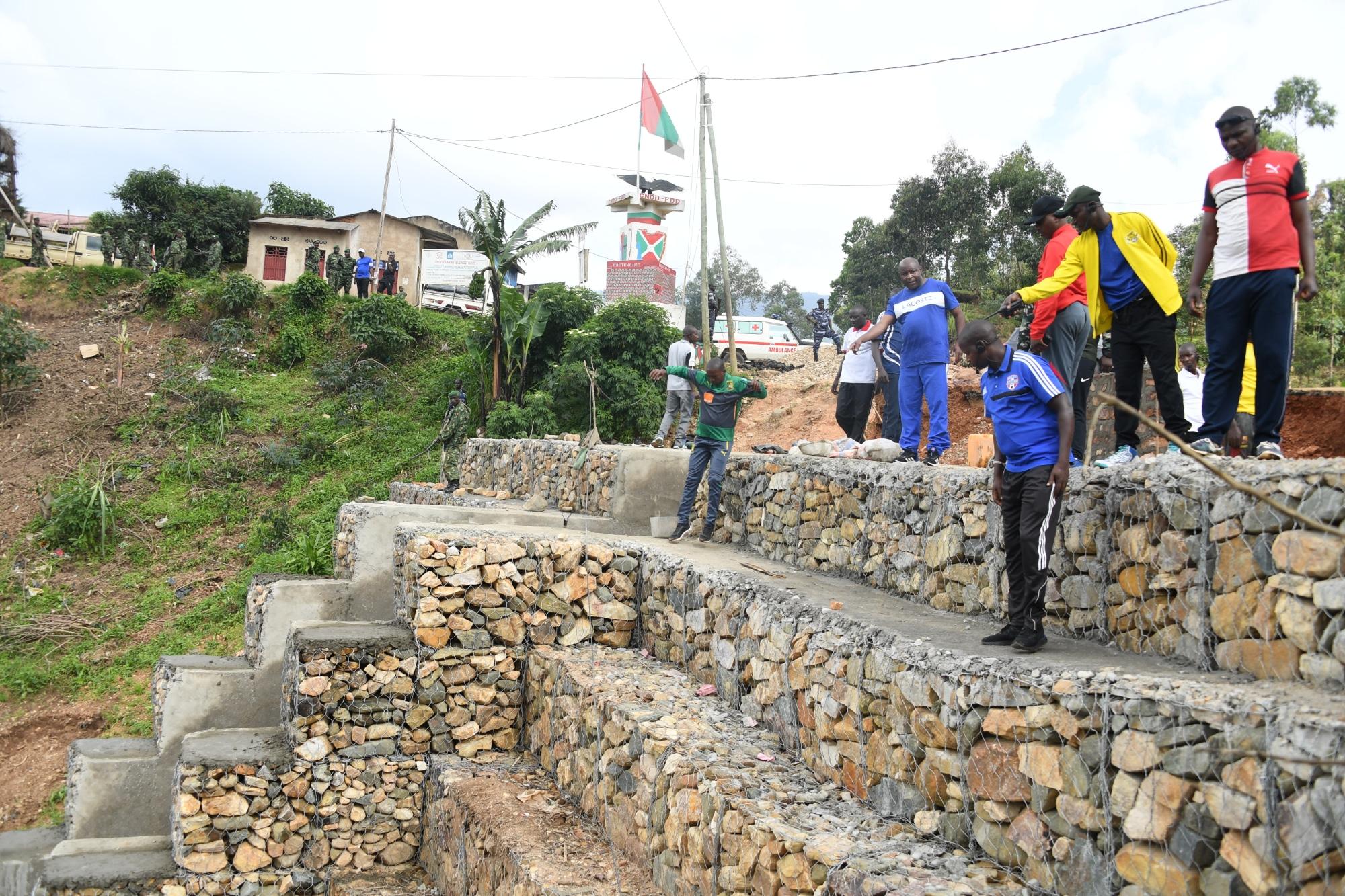 Le Président Ndayishimiye  satisfait de l'état d'avancement des travaux de réhabilitation de la RN1