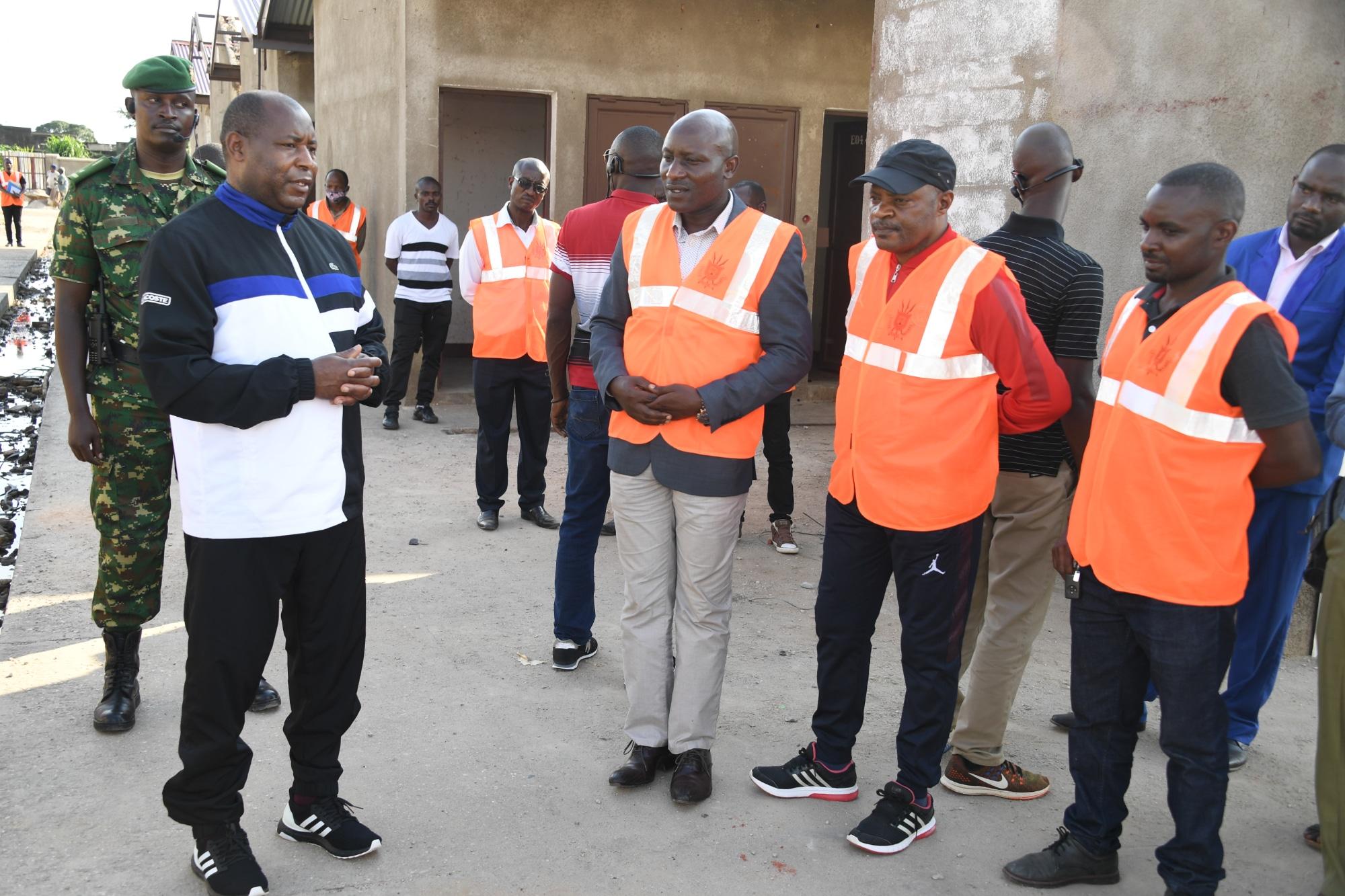 Le Chef de l'Etat recommade au comité de suivi de la reconstruction du marché de Kamenge de respecter l'échéance des travaux