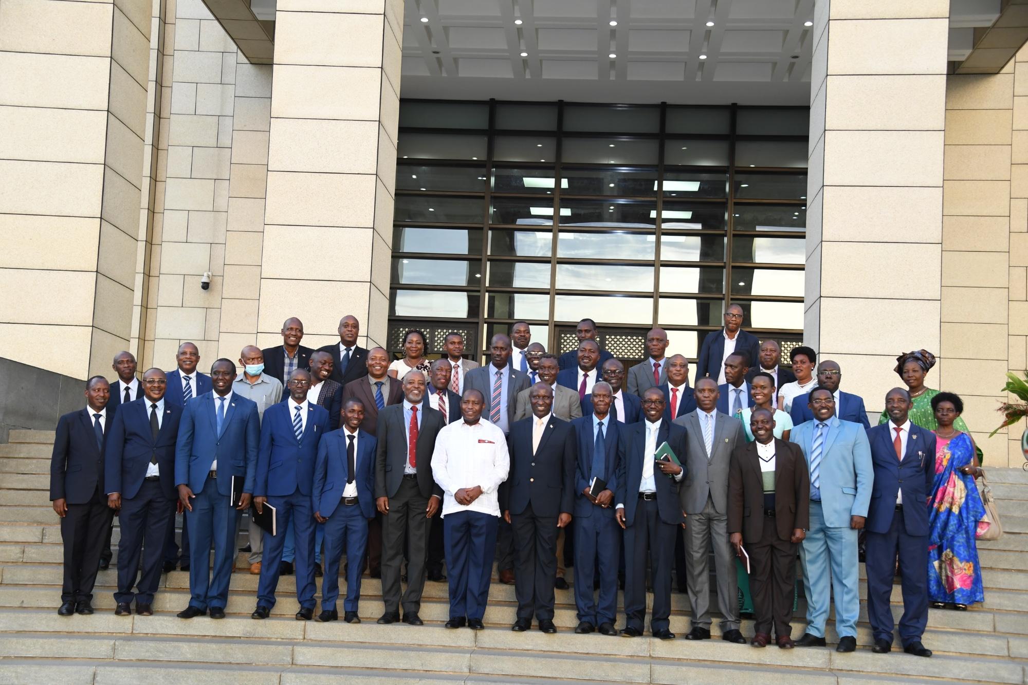 Le Chef de l'Etat demande aux leaders politiques de s'impliquer dans la lutte contre la corruption