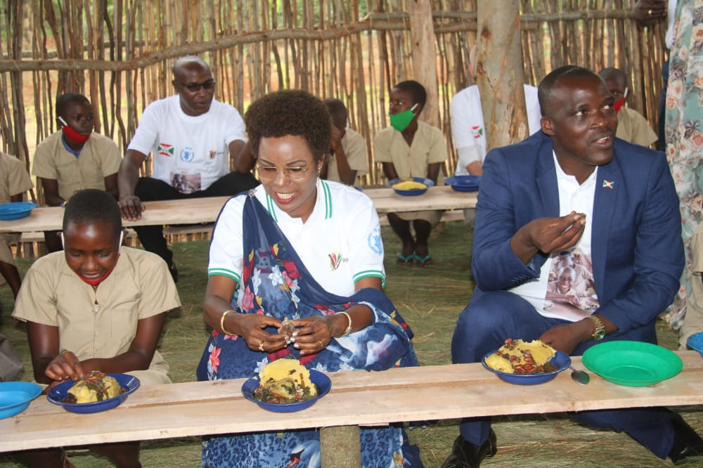 The First Lady calls on all Burundians to support the school canteen program