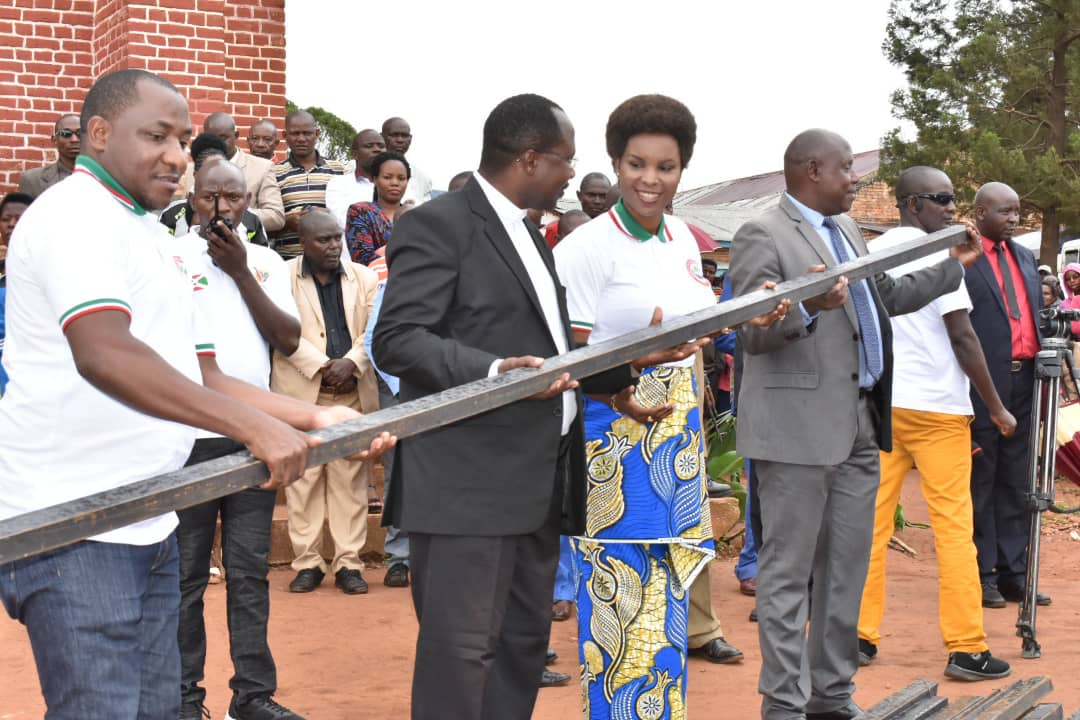 The First Lady assists the Kibumbu Parish with 700 metal tubes