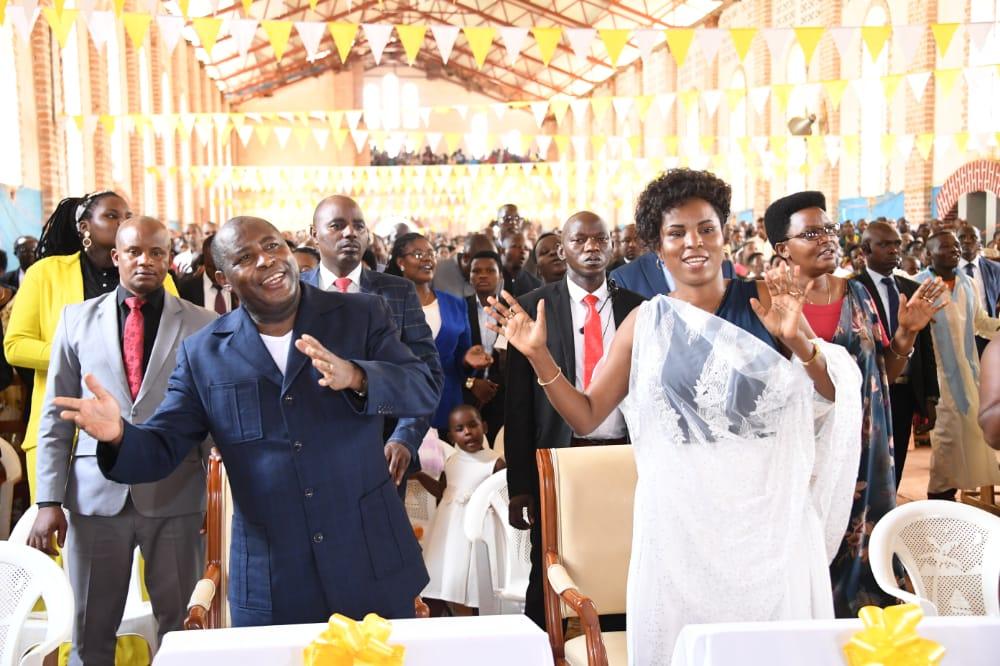 President Ndayishimiye celebrates Easter in Kibumbu Parish