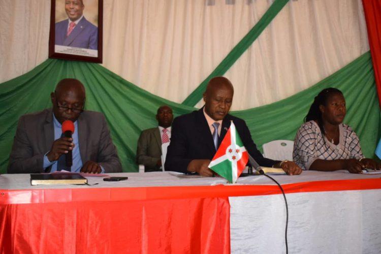 Le Vice Président de la République préside une réunion de sécurité à Kayokwe