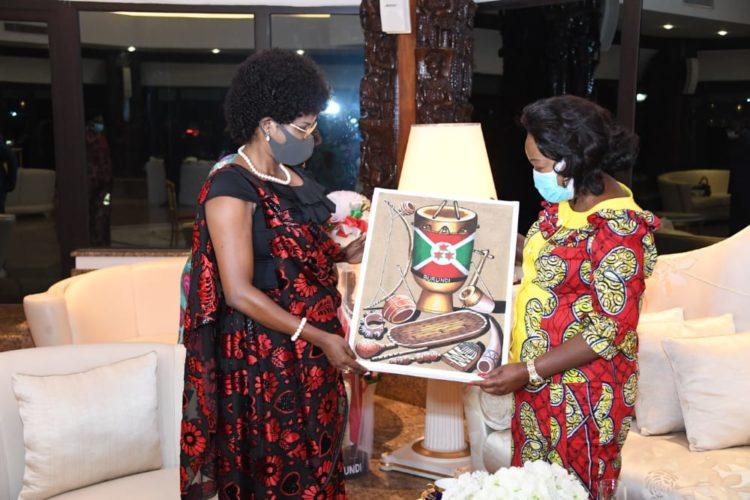 A Brazzaville, Son Excellence Angéline Ndayishimiye plaide pour le travail en synergie des Premières Dames d'Afrique