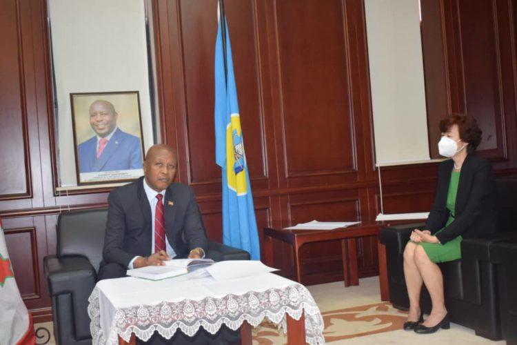 Le Vice-Président Bazombanza reçoit en audience le nouvel Ambassadeur de Chine