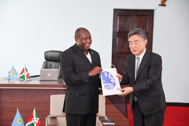 Resuming the Project of extending Bujumbura Port, the main item on the agenda of the meeting between the Head of State and the Japanese Ambassador