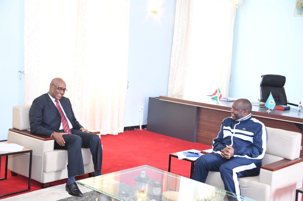 Le Chef de l'Etat reçoit le Ministre Kenyan en charge des affaires de l'EAC