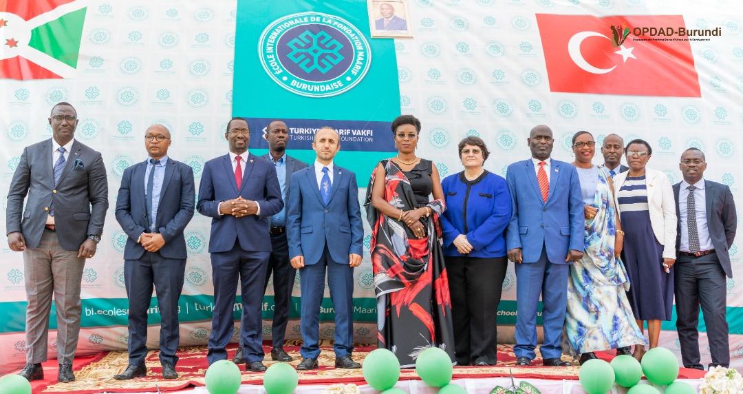 La Première Dame salue la contribution de l'École Internationale de la Fondation Maarif de Turquie à la promotion d'une éducation de qualité au Burundi