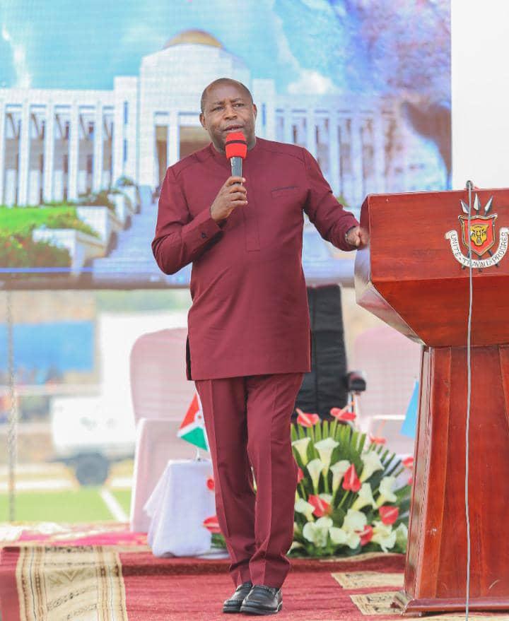 Le Président Evariste Ndayishimiye, l'ami des jeunes
