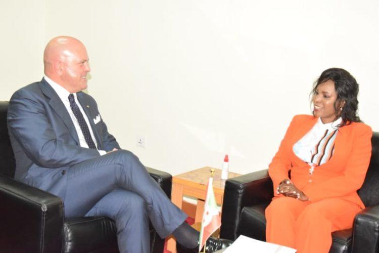 L'Ambassadeur Italien annonce la remise d'un don d'équipement médical d'une valeur de 100 mille $ à la Fondation Bonne Action Umugiraneza