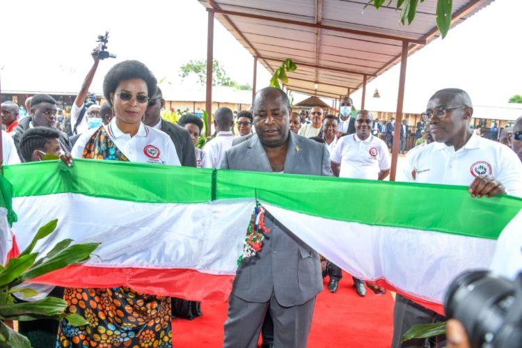 Le Chef de l'Etat salue les réalisations de la Fondation Bonne Action Umugiraneza dans le secteur de la santé